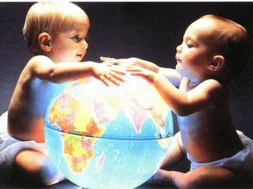 Denatalità, l'Italia detiene un primato: pochi figli